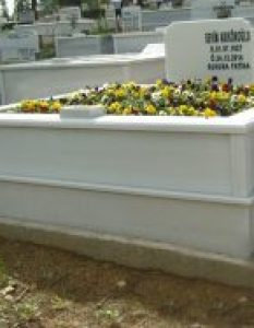 Arıkökoğlu Ailesi – Ihlamurkuyu Mezarlığı