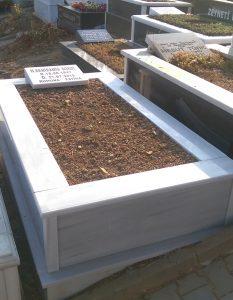 Tek Kişilik Baş Taşı Abide Mezar