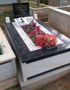 Tek Kişilik Baştaşı Küpeşte Granit Mezar