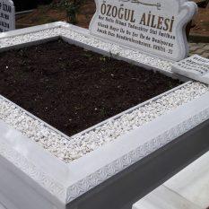 El İşçiliği İşlemeli Mermer Mezar
