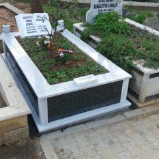 Tek Kişilik Baştaşı Kitabe Gövde Granit Mezar