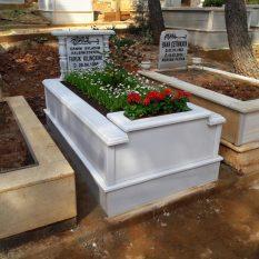Tek Kişilik Baş Taşı Sütunlu Çiçek Saksılı Süt Beyaz Mermer Mezar
