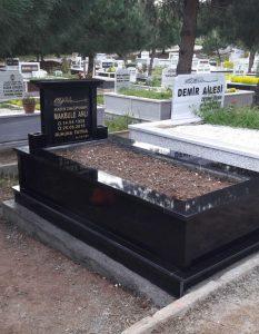 Tek Kişilik Baş Taşı Taçlı Komple Granit Mezar